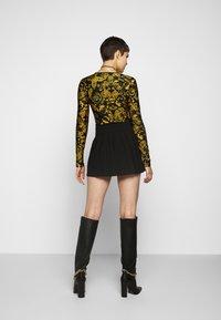 Versace Jeans Couture - Maglietta a manica lunga - nero - 2
