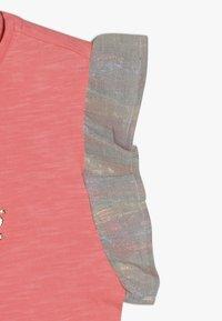Vingino - HIVAE - Camiseta estampada - neon peach - 2
