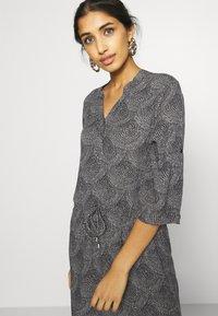 Soaked in Luxury - ZAYA DRESS - Day dress - black/creme - 3