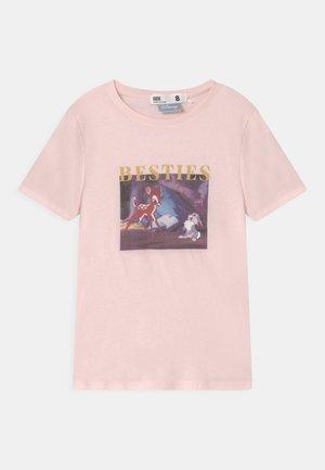 LICENSE SHORT SLEEVE - Print T-shirt - pink