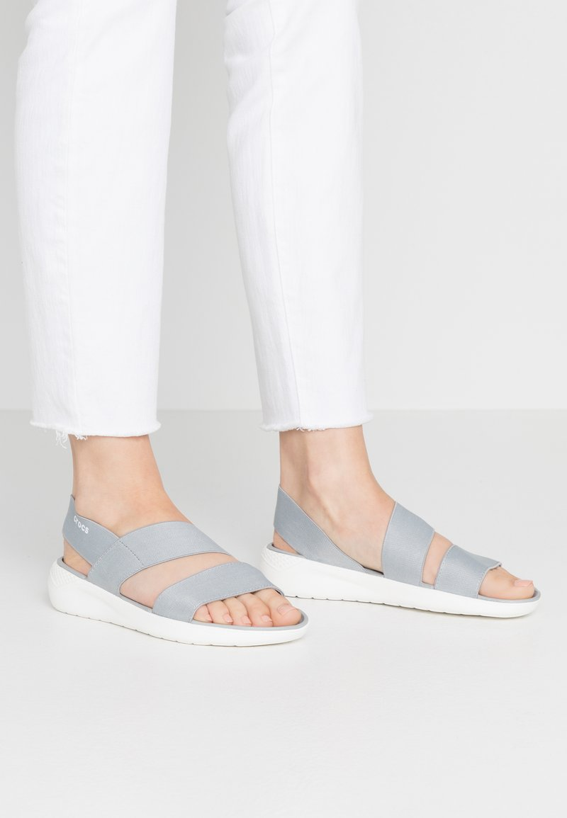 Crocs - LITERIDE STRETCH  - Tohvelit - light grey/white