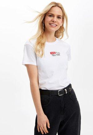 DEFACTO  WOMAN WHITE - Print T-shirt - white