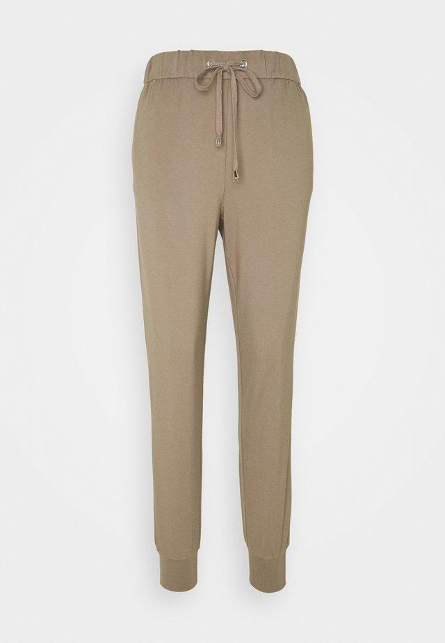 ONLPOPTRASH PANT - Pantaloni sportivi - walnut