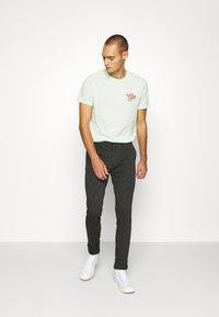 YOURTURN - UNISEX - T-shirts print - green - 1