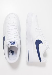 Nike Sportswear - AIR FORCE 1 '07 - Baskets basses - white/deep royal - 1