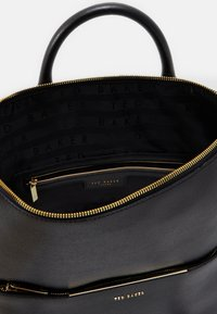 Ted Baker - KRYSHIA BAR DETAIL BACKPACK - Rucksack - black - 2