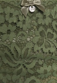 Hunkemöller - Thong - four leaf clover - 5