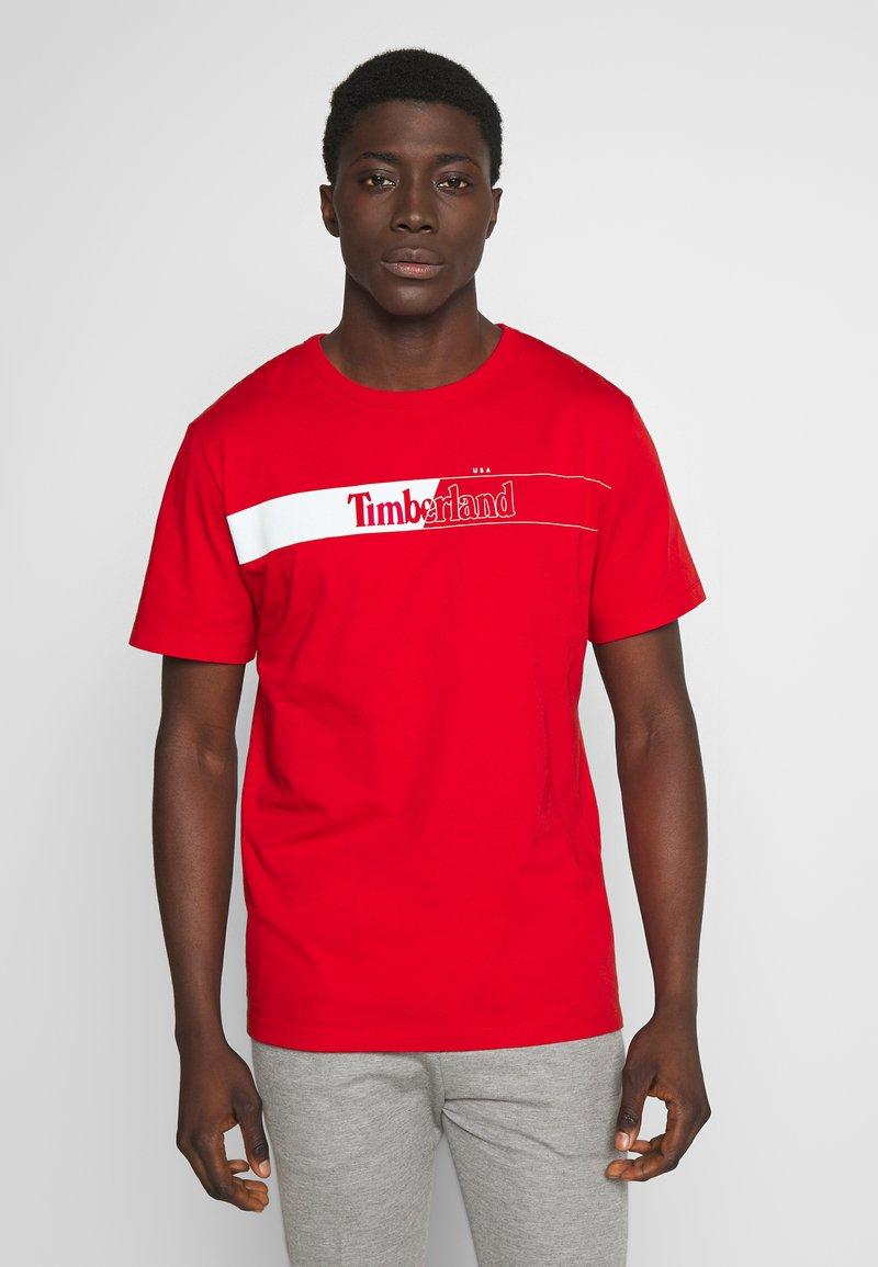 Timberland - KENNEBEC RIVER HORIZONTAL GRAPHIC TEE - T-shirt med print - barbados cherry