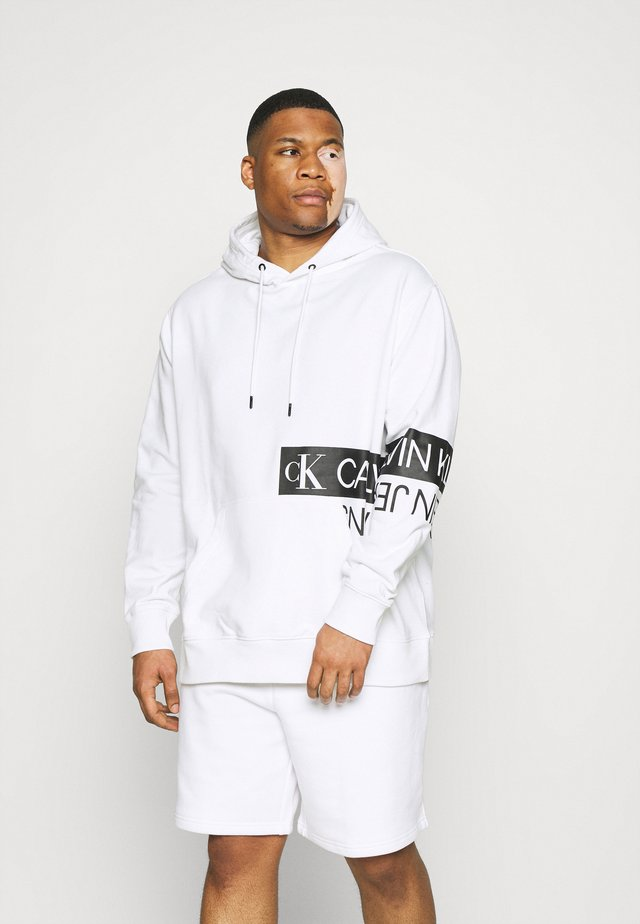 MIRRORED LOGO HOODIE - Sweatshirt - bright white