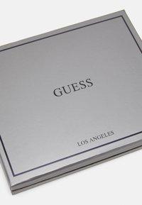 Guess - BALDO GIFT BOX EYRING SET - Monedero - black - 3