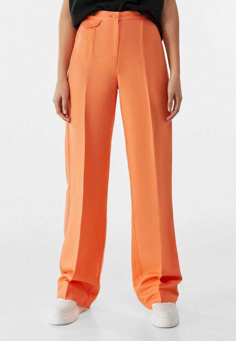 Bershka - Pantalon classique - orange
