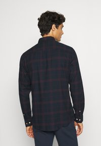 Selected Homme - SLHSLIMFLANNEL SHIRT - Shirt - dark sapphire/port royale - 2