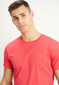 GANT - ORIGINAL - T-shirt - bas - watermelon red - 4