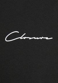 CLOSURE London - BRANDED CUFF TEE - T-shirt con stampa - black - 7