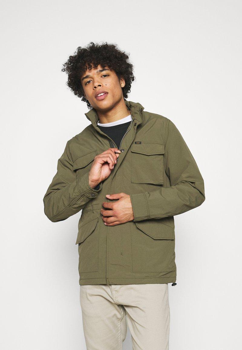 Lee - FIELD JACKET - Summer jacket - olive green