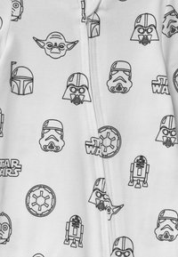 Cotton On - LUCASFILMS STAR WARS LONG SLEEVE ZIP UNISEX - Sleep suit - white - 3
