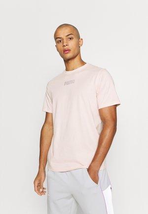 MODERN BASICS TEE - Basic T-shirt - lotus