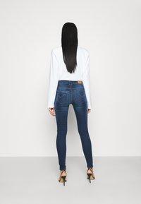 ONLY - ONLPAOLA LIFE - Jeans Skinny - dark blue denim - 2