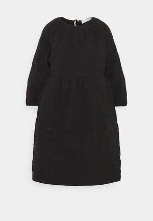 SLFKVIST 0QUILTED DRESS - Hverdagskjoler - black