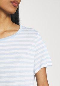 Monki - SIMBA TEE 2 PACK - T-shirts print - light blue - 5