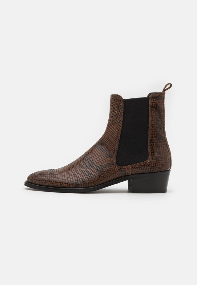 HOXTON HENDRIX CUBAN - Classic ankle boots - brown