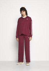 adidas Originals - TEE - T-shirt - bas - victory crimson - 4