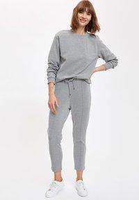 DeFacto - Long sleeved top - grey - 1