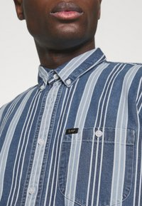 Lee - RIVETED SHIRT - Shirt - indigo - 4