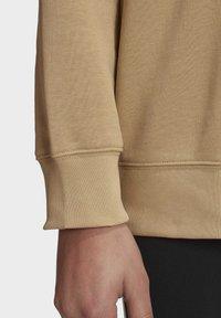 adidas Originals - TREFOIL ESSENTIALS SWEATSHIRT - Sweatshirt - beige - 7
