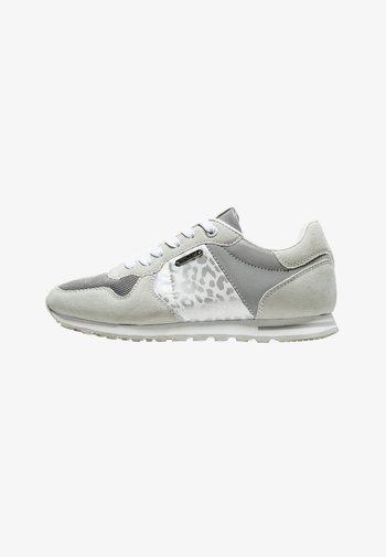 VERONA W STAIN - Sneakers laag - plata