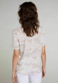 Oui - Print T-shirt - white black - 2