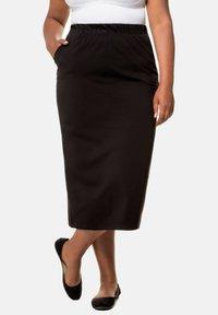 Ulla Popken - Pencil skirt - black - 0