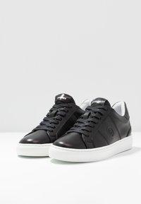 Bogner - NEW SALZBURG - Sneakersy niskie - black - 4