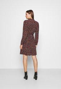 Fabienne Chapot - COUNTRY DRESS - Skjortekjole - rust/bordeaux - 2