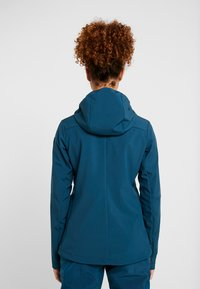 8848 Altitude - RUBY JACKET - Softshell jakker - reflecting pond - 2