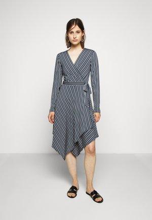 WRAP DRESS - Robe en jersey - midnight teal/nouveau