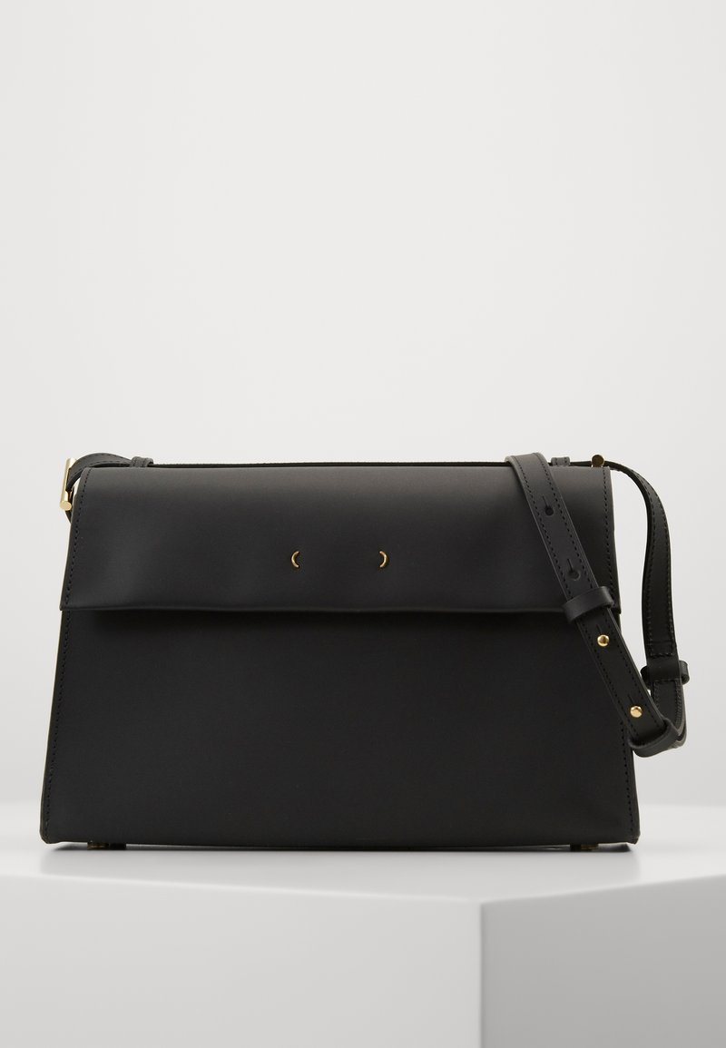 PB 0110 - Across body bag - black