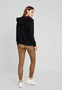 Nike Sportswear - HOODIE - Felpa con cappuccio - black/white - 2