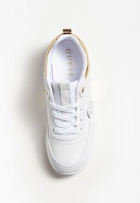 Guess - Trainers - white - 1