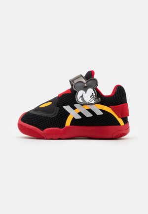 ACTIVEPLAY MICKEY UNISEX - Obuwie treningowe - core black/footwear white/scarlet red