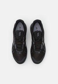 adidas Performance - TERREX SKYHIKER GORE-TEX - Trekingové boty - core black/grey four/solid grey - 3