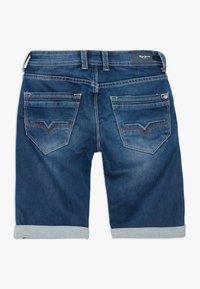 Pepe Jeans - CASHED - Shorts vaqueros - denim - 1