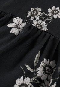 IVY & OAK - WRAP  - Denní šaty - aop/fine flower black - 5