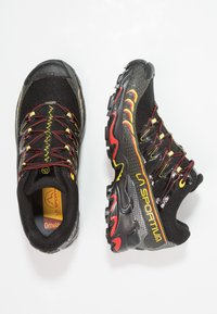 La Sportiva - ULTRA RAPTOR GTX - Obuwie do biegania Szlak - black/yellow - 1