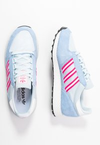 adidas Originals - FOREST GROVE  - Sneakers - periwi/crystal white/shock pink - 1