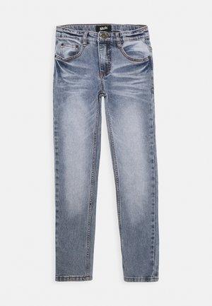 AKSEL - Jeans Slim Fit - worn denim