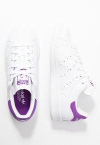 adidas Originals - STAN SMITH - Sneakersy niskie - footwear white/active purple - 3