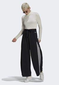 adidas Originals - Pantalones - black - 1