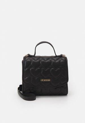 HEART QUILTED TOP HANDLE CROSSBODY - Handbag - nero