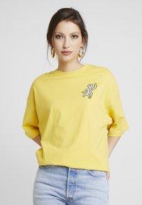 Even&Odd - Print T-shirt - ochre - 2